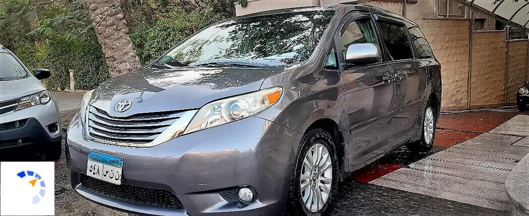 Toyota - Siena - 2011