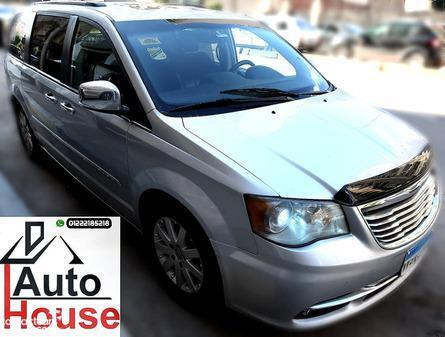 Chrysler - Town & Country - 2012