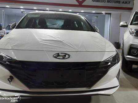 Hyundai - Elantra CN7 - 2021