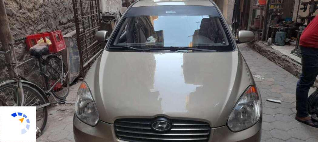Hyundai - Accent - 2010