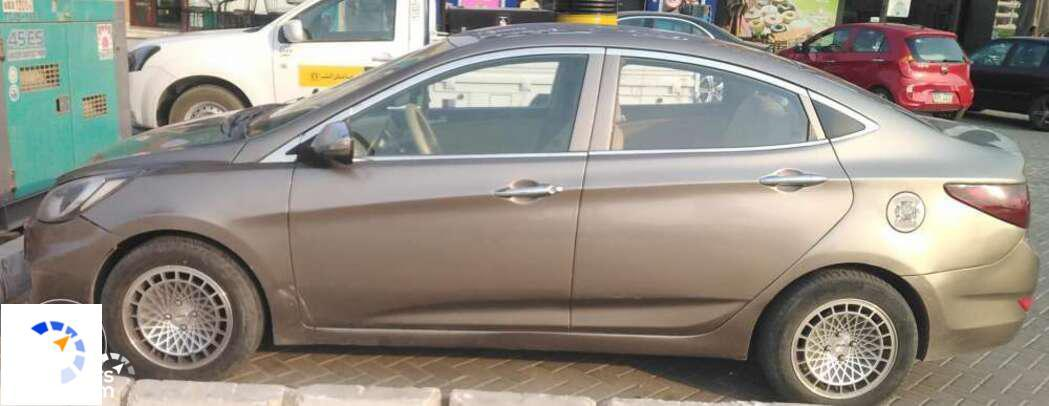 Hyundai - Accent - 2011